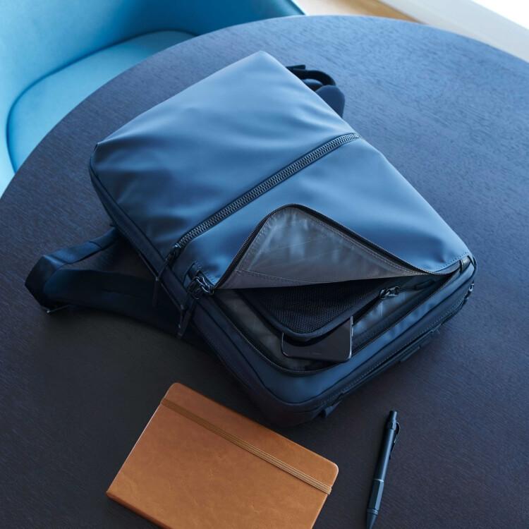 【サムソナイト】現代的で機能的バッグ「サブ-リム」